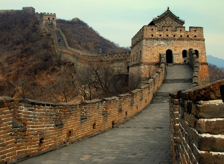 Cheap Chinese tourists discover interesting facts about the Great Wall of China